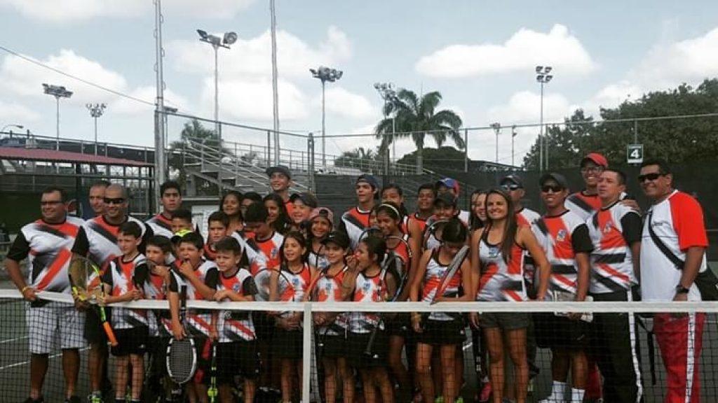 Solidaridad con el personal de la Asociación de tenis del estado Lara (Atel) 4