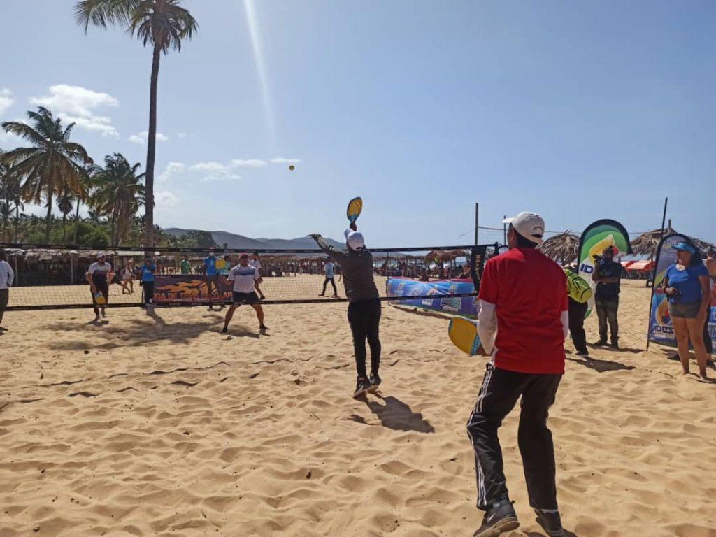 Tenis Playa en Sucre 6