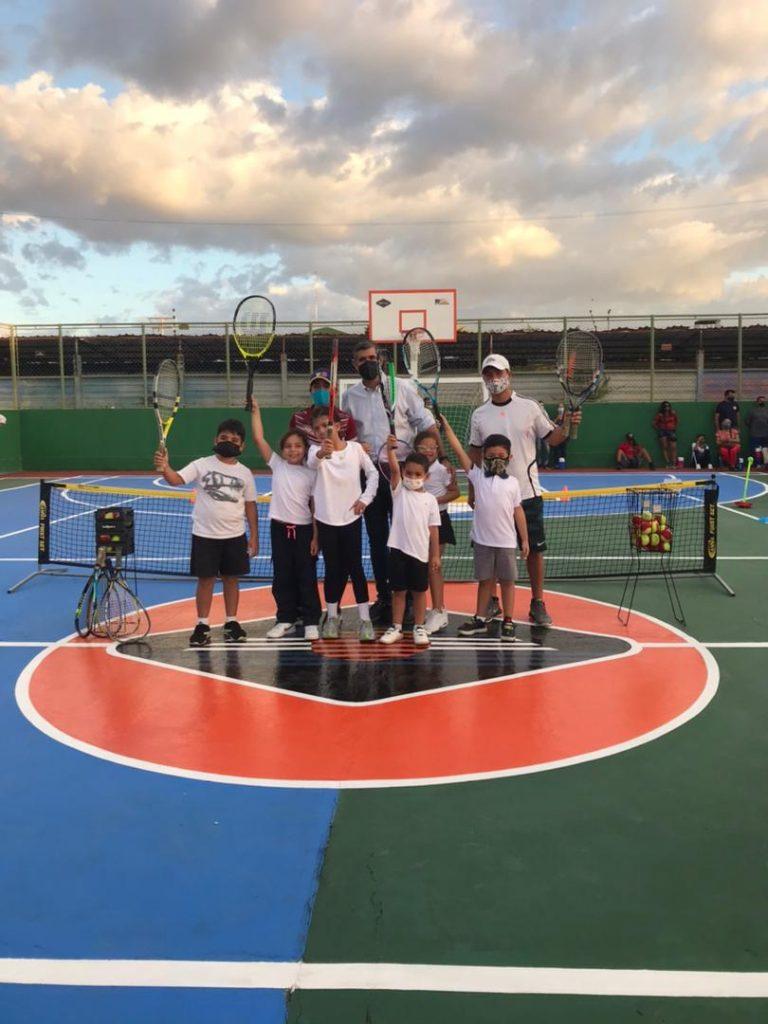 Academia Tenis de Colores nace en Lechería 8
