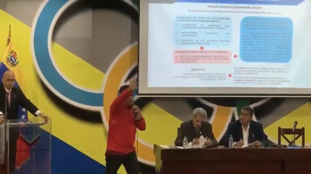 """El Ministro del Deporte a la Familia de Tenis Campo:""""Hagan sus elecciones!!"""" 4"""